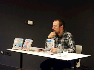 Druženje labinskih osnovnoškolaca s književnikom Mladenom Kopjarom
